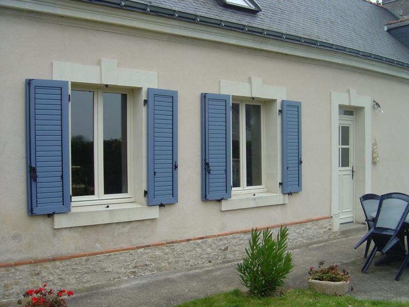 Store fen tre maison villa appartement immeuble for Volets venitiens exterieurs